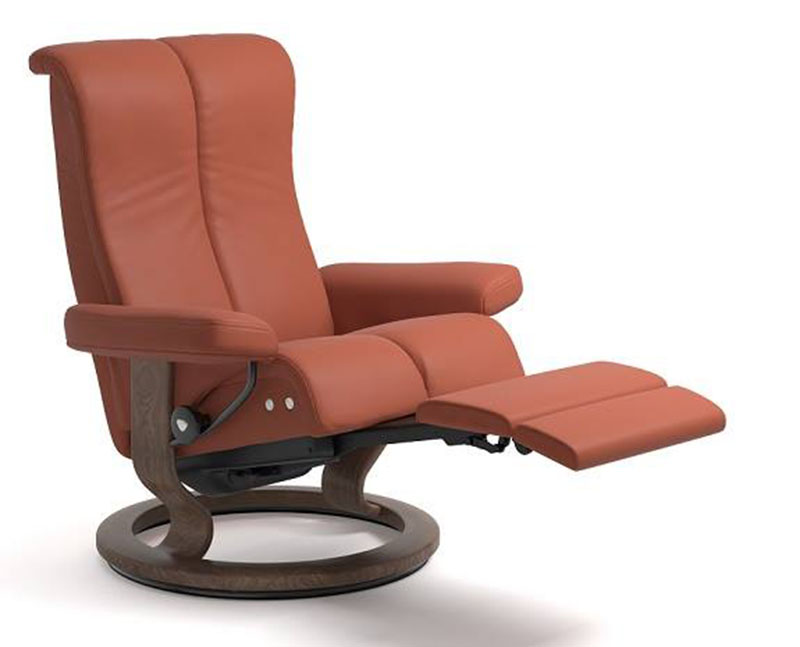 stressless piano legcomfort power footrest recliner chair by